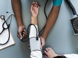 Ipertensione arteriosa sintomi, cause e alimentazione